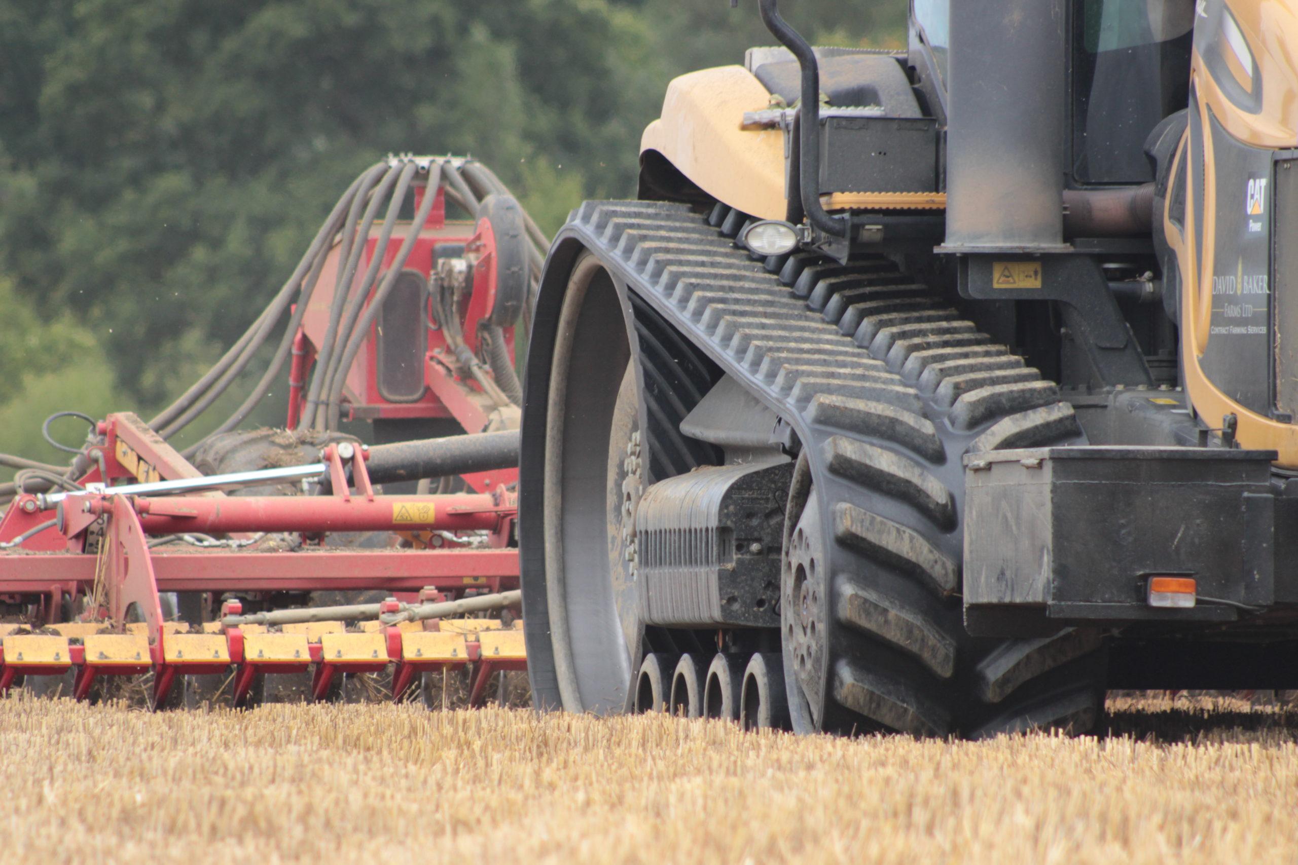 BRIDGESTONE SERIES 6 tracks fitted to CAT Challenger working in Suffolk