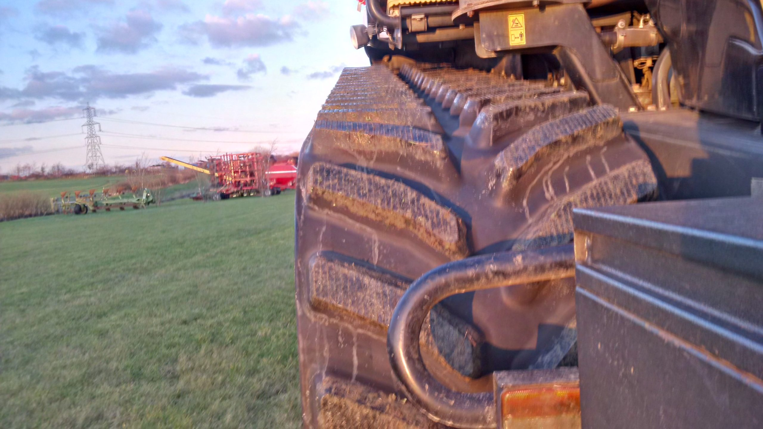 Bridgestone Series 6 tracks fitted to CAT Challenger MT 865 at OUTLAND works