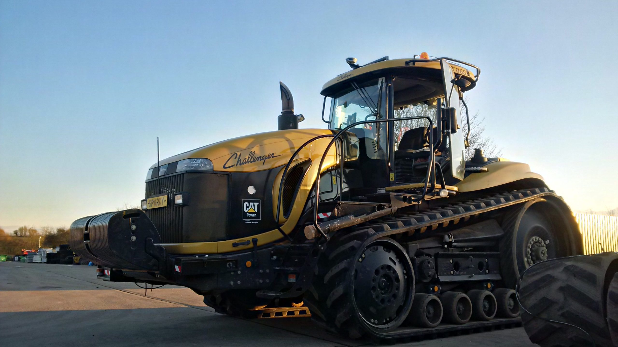 Bridgestone Series 6 tracks fitted to CAT Challenger MT 865 at OUTLAND works (3)
