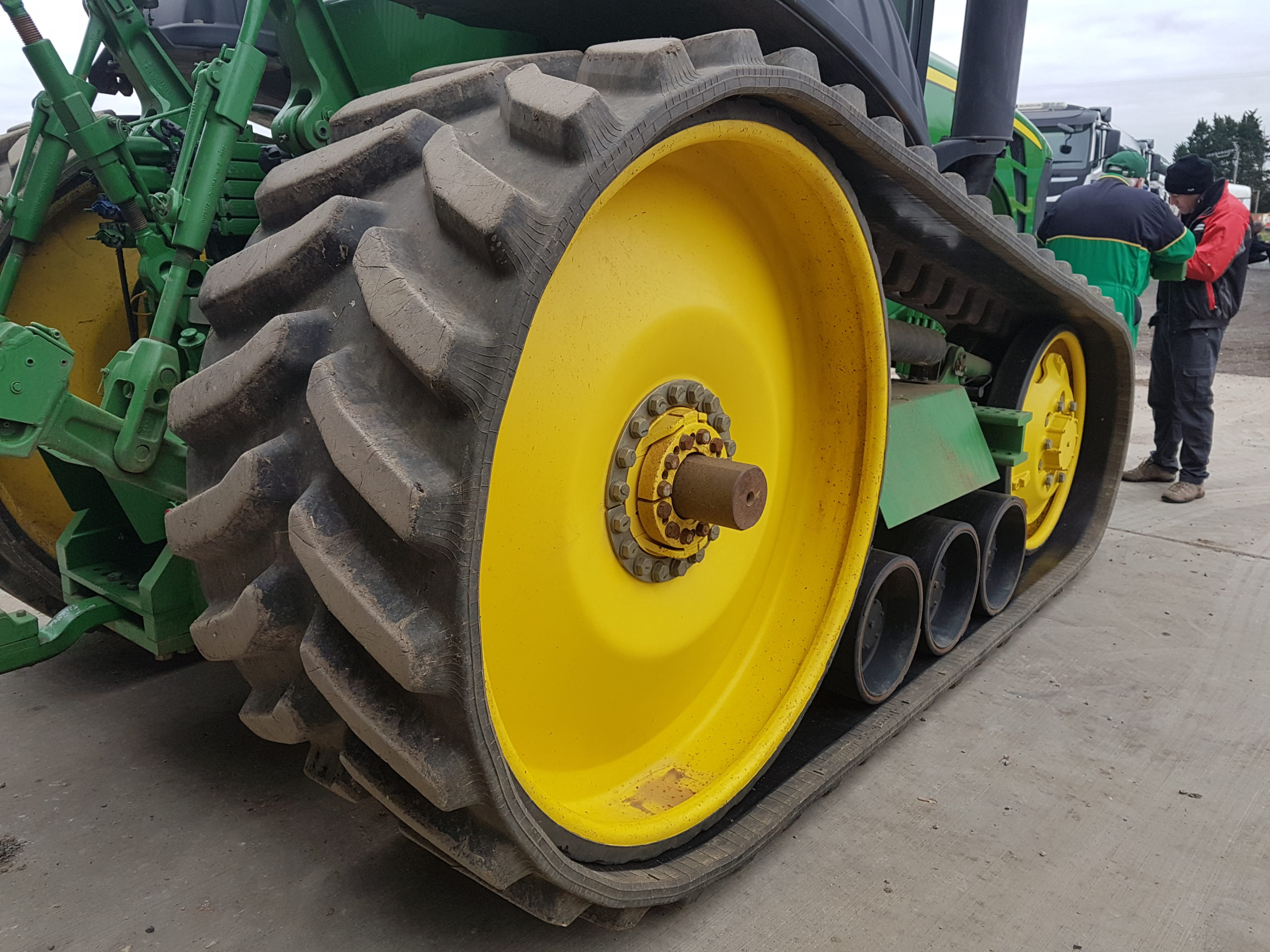 Bridgestone Series 6 tracks fitted to JD 8345RT working in Essex