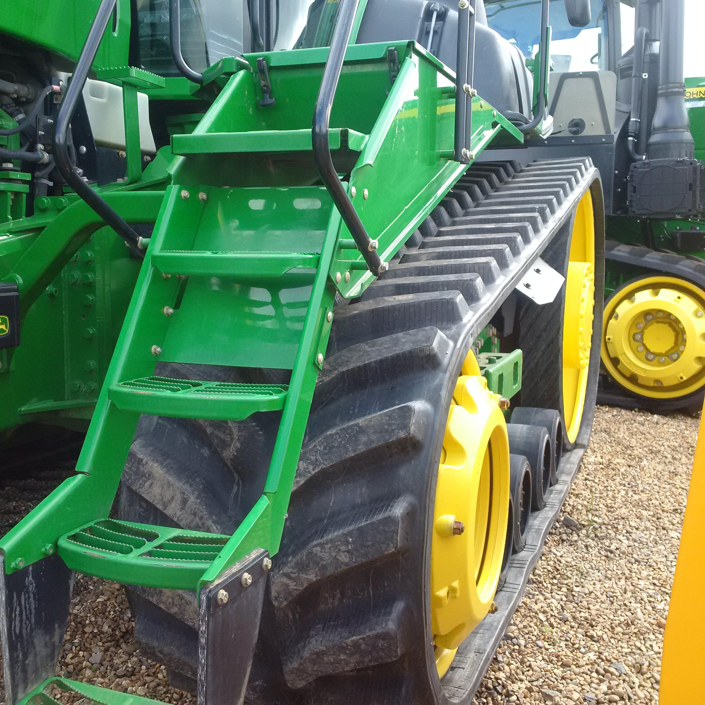 Bridgestone Series 6 tracks fitted to JD 9530RT
