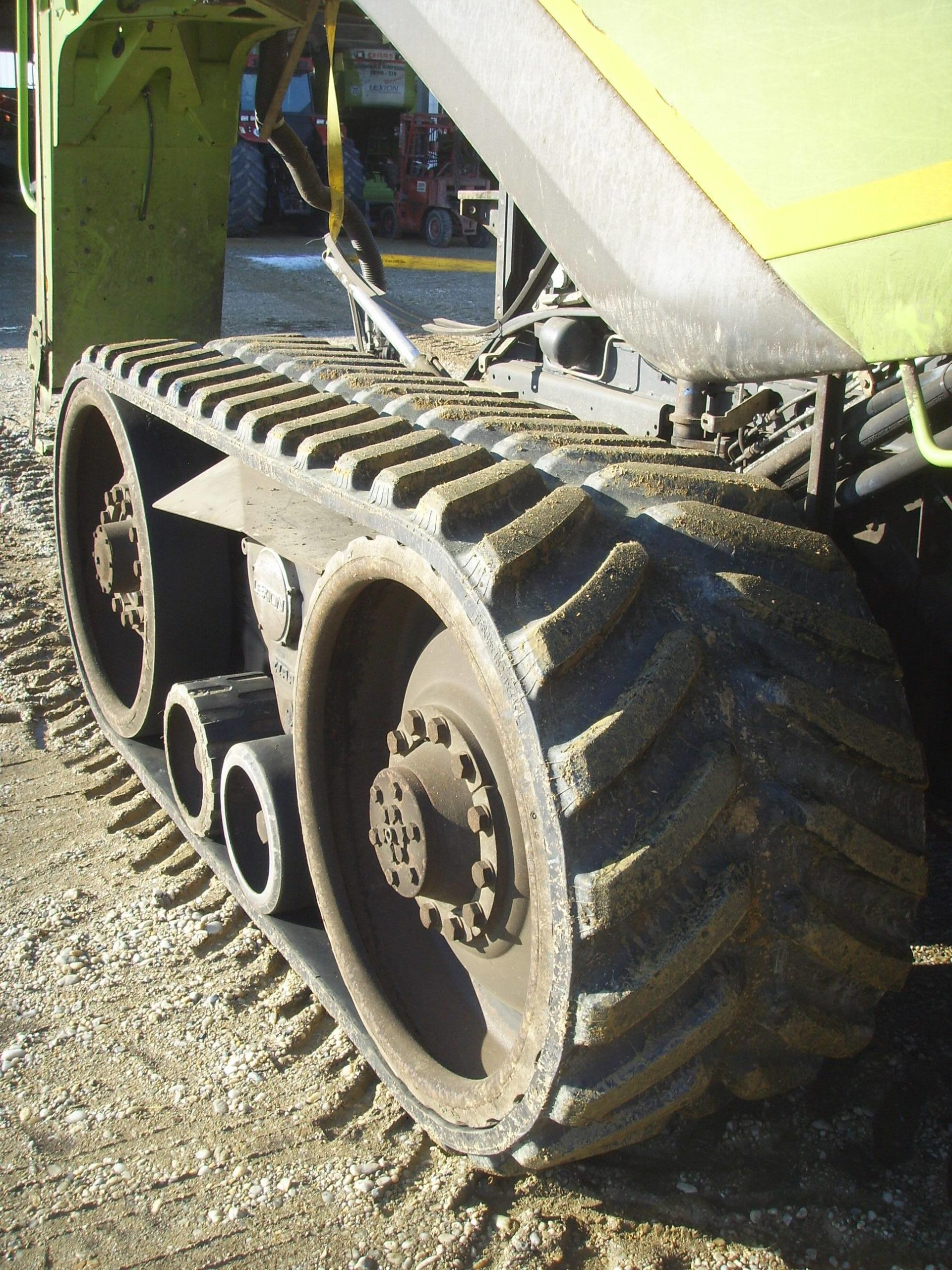 OUTLAND AV8850 track to fit Claas Lexion
