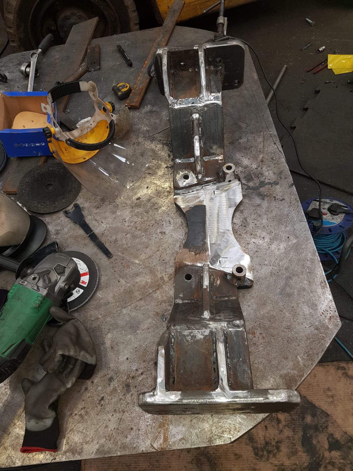 Outland workshops have ability to carry out complex installations, adaptions and can fabricate and additional bracketry necessary such as new king pins, subframes and sproket plates (8)