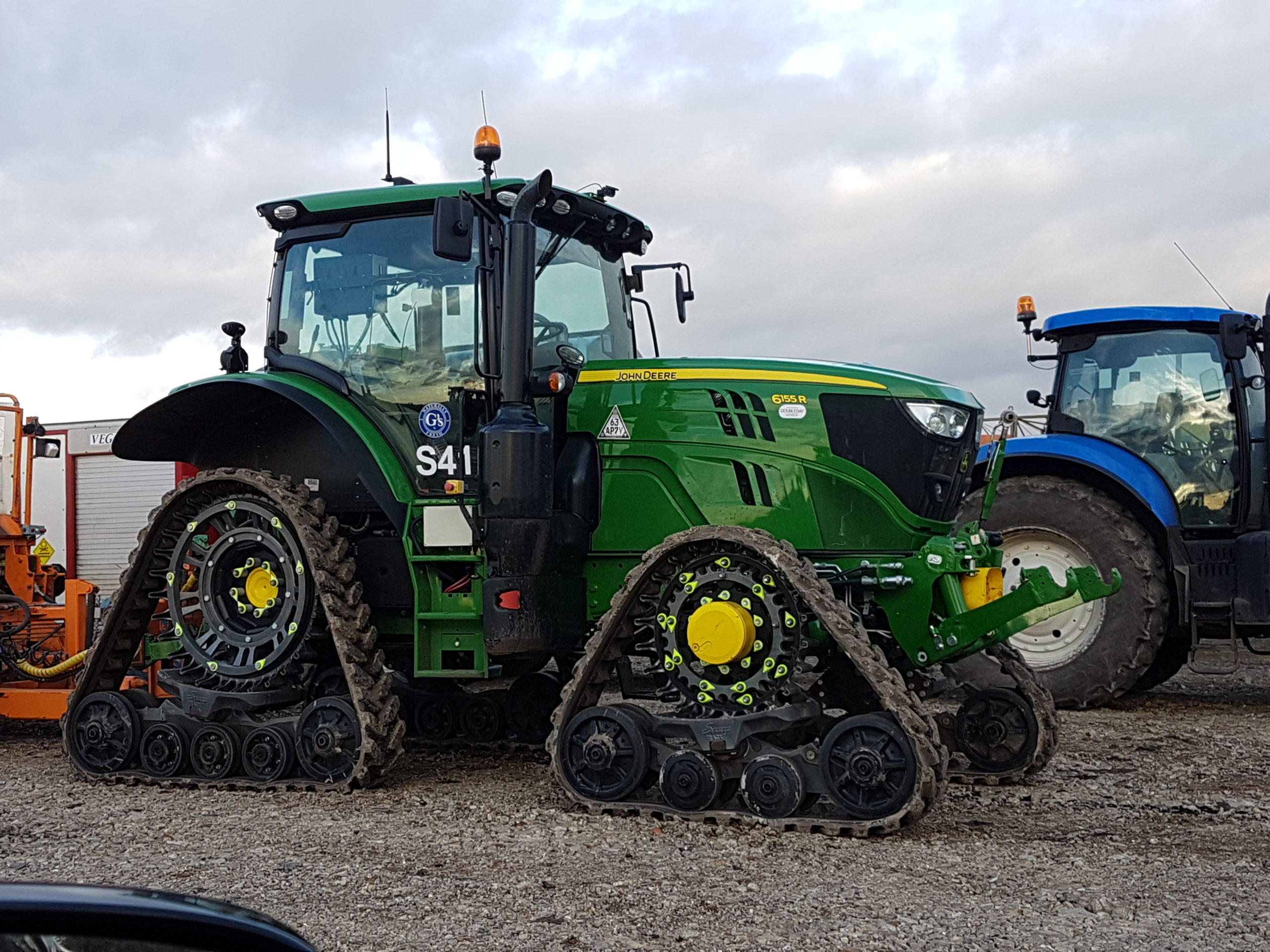 Soucy S Tech 612 tracks fitted to JD 6155R working in CAMBS