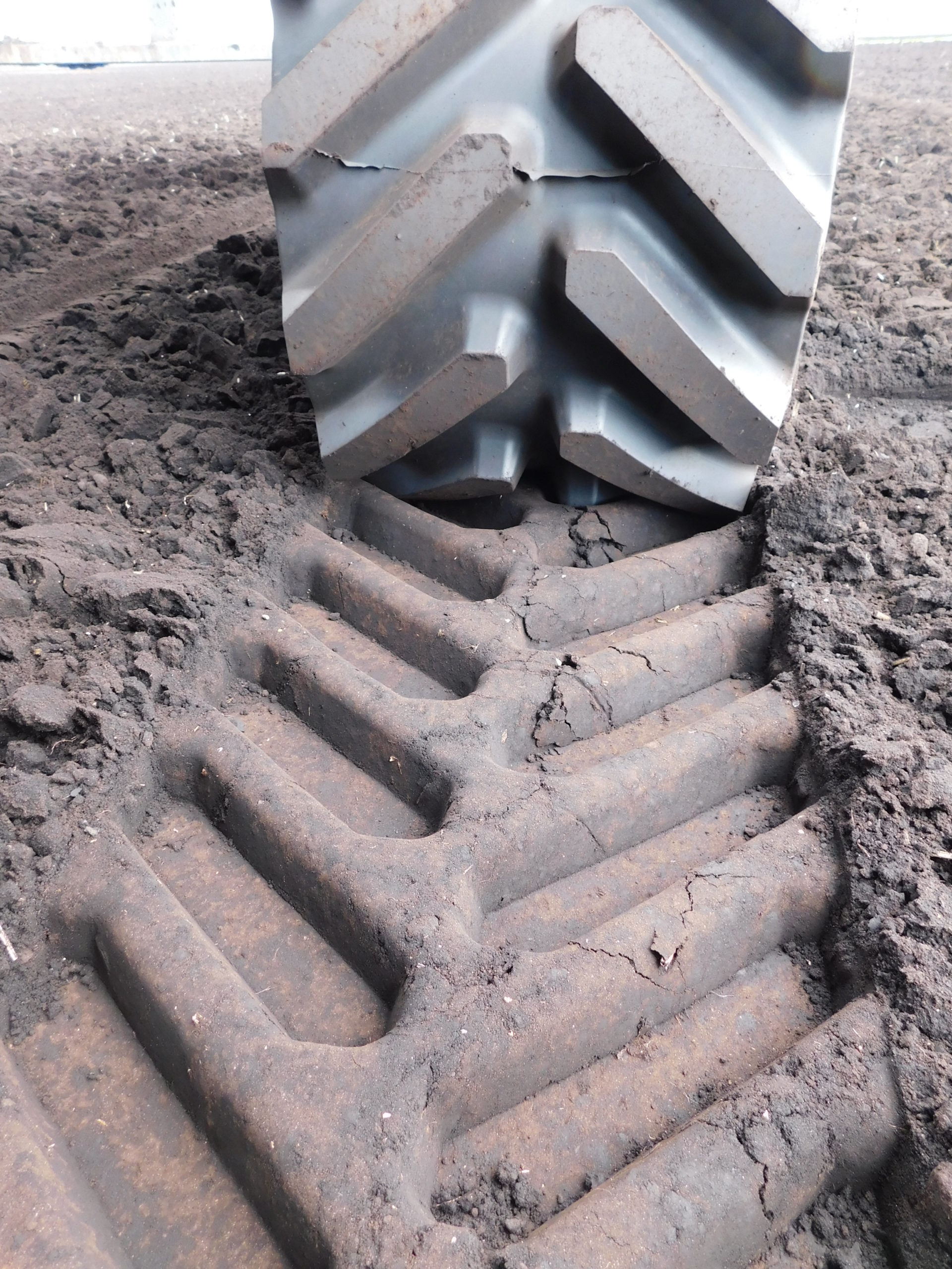 Soucy S Tech 616 tracks fitted to Valtra N134 working in Norfolk